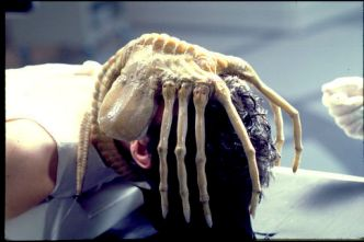 Alien-Face-Hugger-01