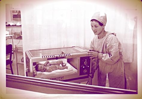 sarah in incubator 001